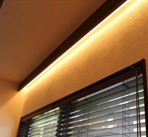 寝室の間接照明の写真