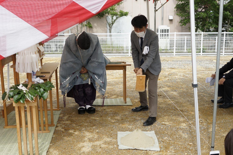 地鎮祭で鎌や鍬、鋤を使う儀式 サラダホーム事業部荒木