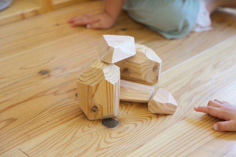 サラダホーム下郡モデルハウスでつみ木と机作りしてみませんか?(^ ^)