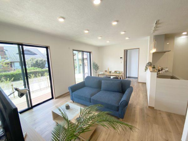 サラダホームの建売住宅 内観リビング 無添加住宅 しっくいのお家