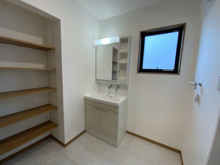 大分市中戸次デザイン分譲住宅 中戸次の家-Ⅲ 洗面脱衣室