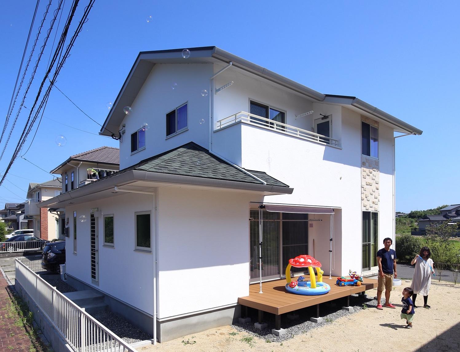 大分市 I様邸 こだわりを詰め込んだ緑屋根の<br>しっくいのお家