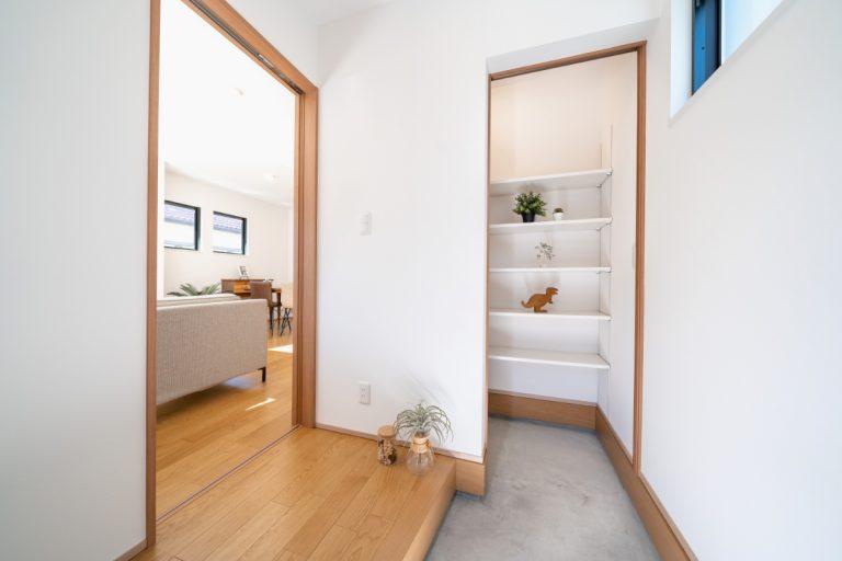 大分市富士見が丘 デザイン分譲住宅 玄関