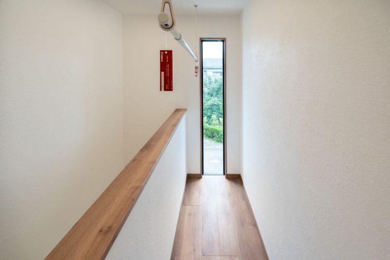 大分市中戸次デザイン分譲住宅 中戸次の家-Ⅰ棟 2階ホール