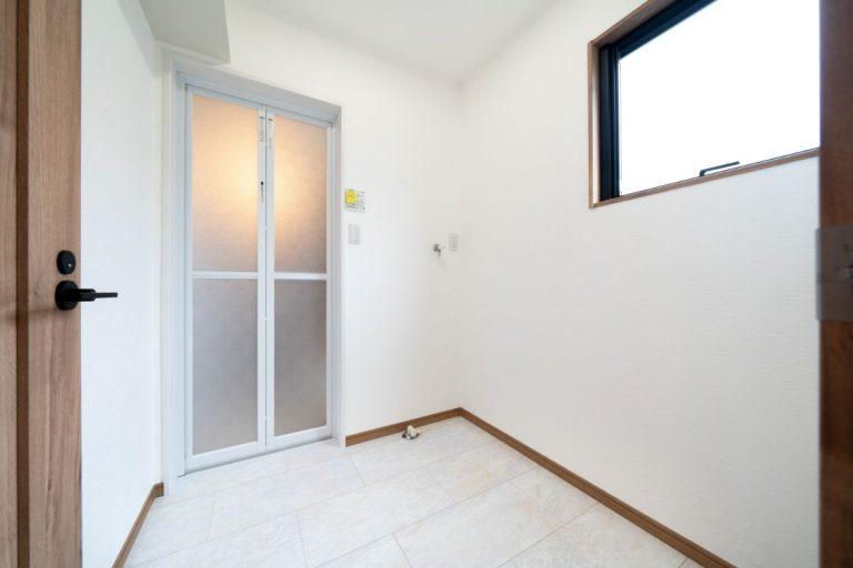 大分市中戸次デザイン分譲住宅 中戸次の家-Ⅰ棟 洗面脱衣室