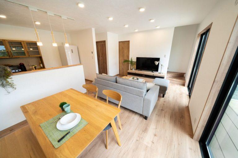 大分市中戸次デザイン分譲住宅 中戸次の家-Ⅰ棟 リビング