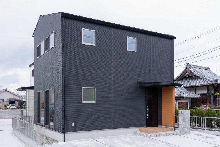 大分市津守デザイン分譲住宅 シンプルかつスタイリッシュな外観