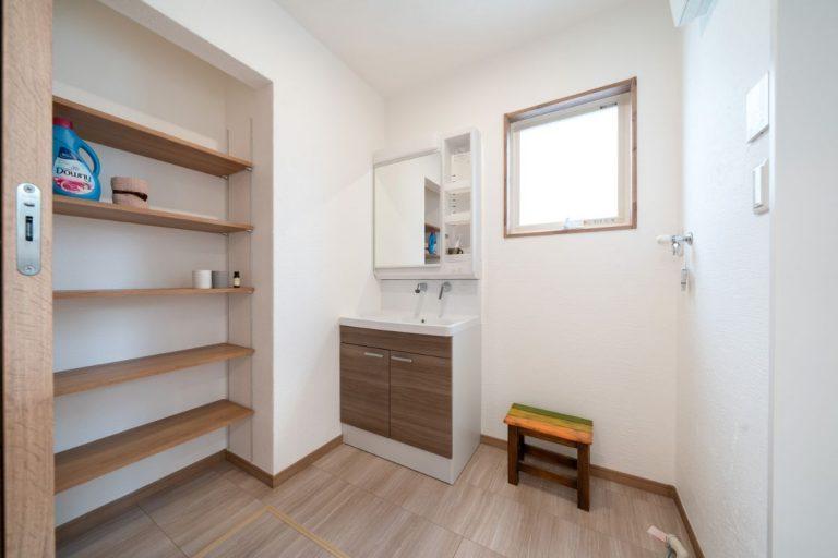 大分市中戸次デザイン分譲住宅 中戸次の家-Ⅱ棟 洗面脱衣室