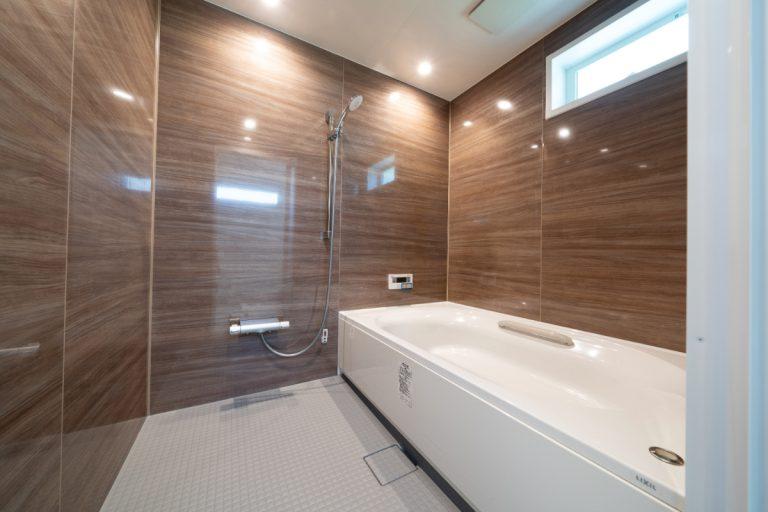 由布市挟間デザイン分譲住宅 挟間の家 浴室